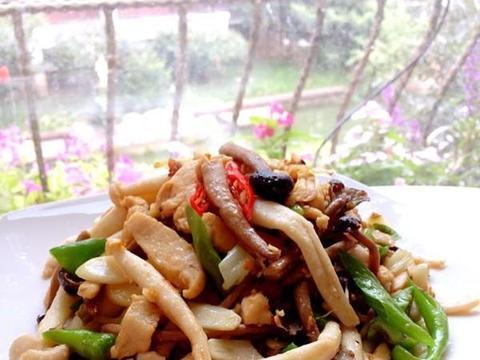 美食精选:炒双菇、黄瓜醋方、凉拌银耳、和风煎豆腐