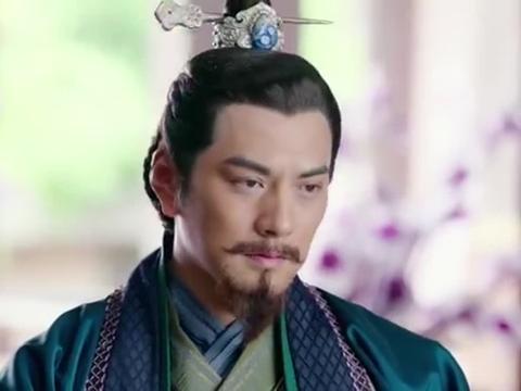 刘备顺水推舟,伪装成害怕打雷的样子,成功打消了曹操的戒备!