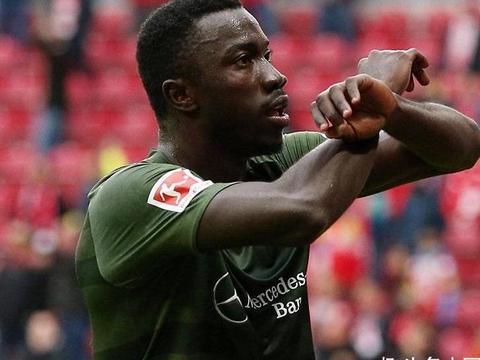 德甲又出20岁年轻锋霸,连续3场破门,1传1射助球队首胜