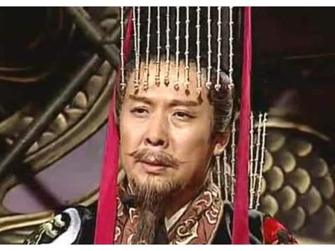 曹丕刘备相继称帝,为何孙权要多等8年?分析这三点发现他真聪明