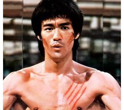 泰森:李小龙是世界上最伟大的武术家,但是抛开规则我可以打赢他