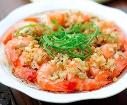美食精选:酱爆八爪鱼、蚝干炖丝瓜、麻酥大虾、蒜蓉粉丝蒸大虾