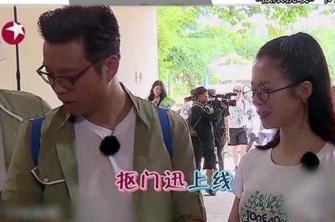 王迅拍照意外暴露手机,看到用的是什么后,你还认为他抠门吗?