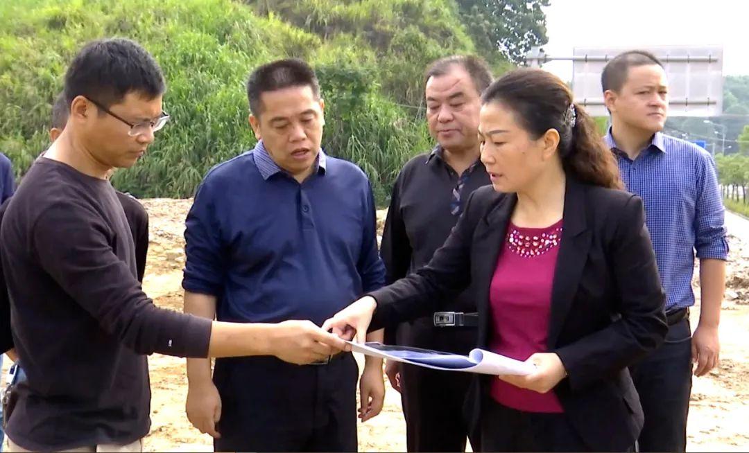 婺源县委书记吴曙察看督导重点项目建设