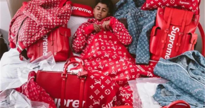 Supreme当睡衣,2000双球鞋值百万,这孩子才是土豪潮