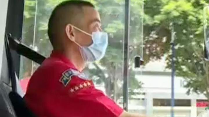 致敬身边的英雄!从年初开始,广州公交片长带领司机坚守防疫一线