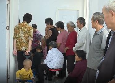 菏泽市巨野县: 政协委员送医下乡健康扶贫暖人心