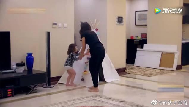 米雅叛逆动手打妈妈,罚站后竟做出意外举止。 马雅舒瞬间震怒!