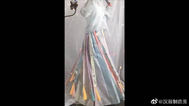 汉服裙摆有发带?你们知道这裙子叫什么名字吗?