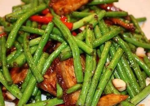 家常素菜小炒:豆角烧肉,香肠炒玉米笋,红烧茄子