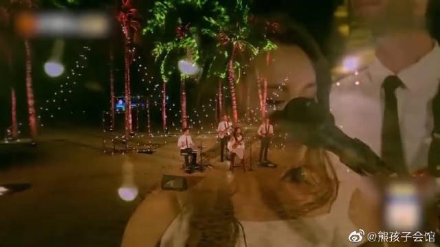 马雅舒沙滩演唱会顺利进行,太棒了