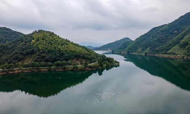 浙江淳安有一个体育休闲小镇 就在千岛湖