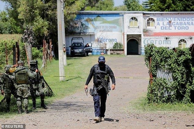 墨西哥一酒吧疑遭贩毒集团恐袭,11名死者均被射成马蜂窝