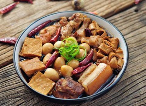 美食精选:清炒西葫芦、五香酱牛肉、卤味拼盘