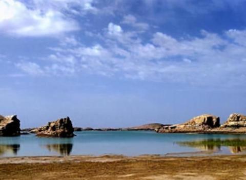 """青海水上雅丹魔鬼城,有""""百鸟千岛湖""""之称,是真正的地质奇迹"""