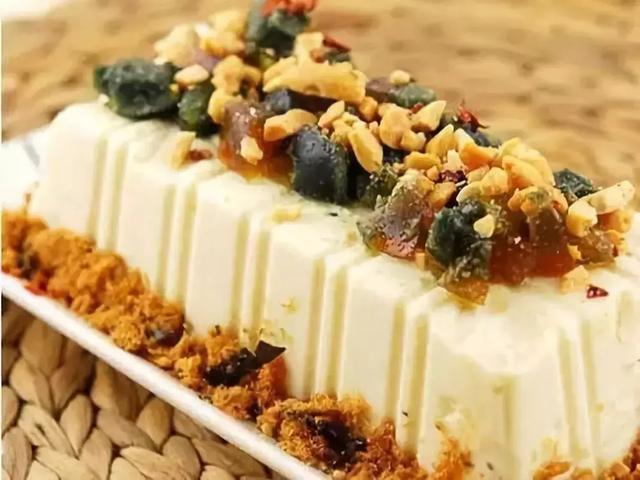 美食精选:豆腐拌肉松、南瓜蒸百合、豆筋烧五花肉、土豆炒肉丝