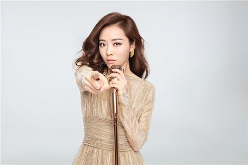 李宇春、张靓颖上节目遭质疑,时隔15年,她们实力怎么样?