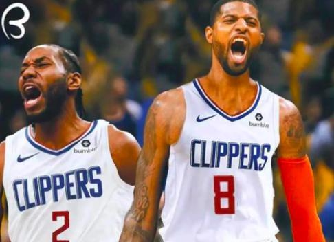 在今天凌晨的时候,当时有多位NBA记者爆料称里弗斯将会下课