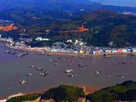 浙江温州最南端的镇,建筑蓝白相间,仿佛置身爱琴海