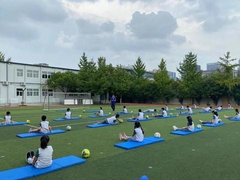 聚焦丨南京市校园足球教学活动在南师附中学新城小学展示