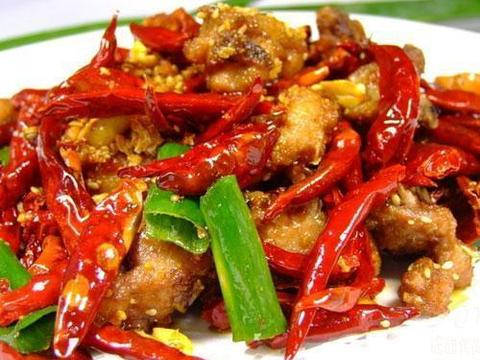 美食精选:麻辣鸡肉、小炒鸡腿肉、葱香魔芋豆腐、凉拌木耳豆皮