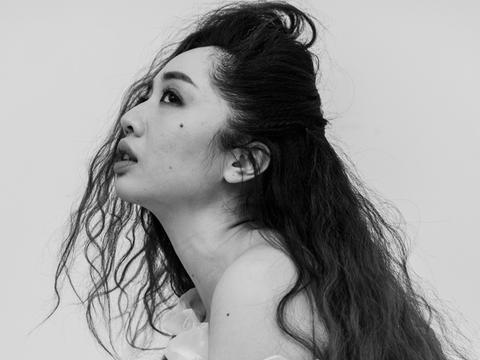 音乐人何小河视觉系概念EP《桃乐丝迷惘指南》启动全球发行