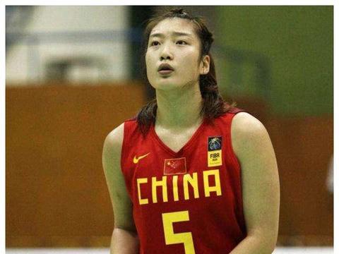 中国女篮战术已成型,立足防守打反击,460斤内线双塔是未来希望