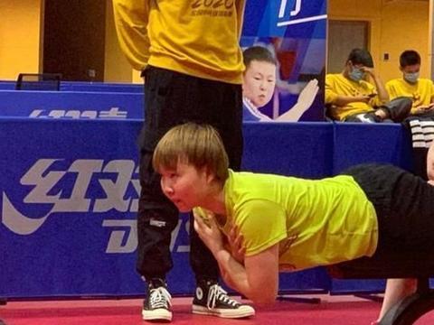 朱雨玲受到媒体热推之时,也暗示了刘诗雯的又一个退赛要来了!