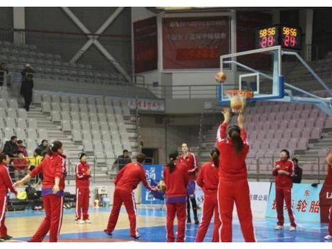 中国女篮奥运欲夺奖牌,内线合重八百斤,碾压亚洲硬碰欧美强队!