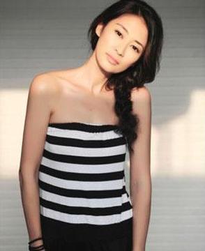 她是北京大学生电影节影后,因结婚生子息影五年,如今过成这