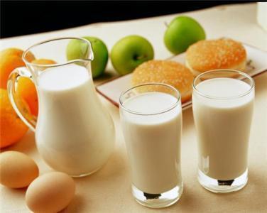 每天一杯牛奶,为何还是骨质疏松
