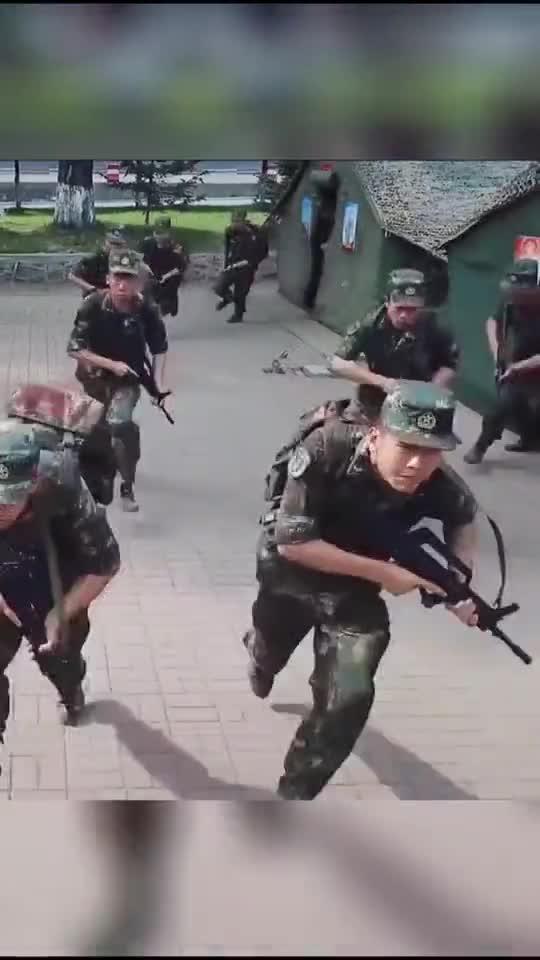 我们是中国火箭军,这里,有我守护!