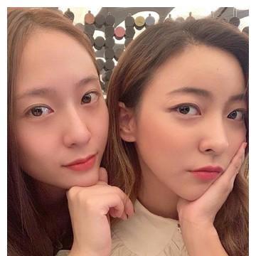 Luna久违贴脸合照Krystal Tag所有f(x)成员