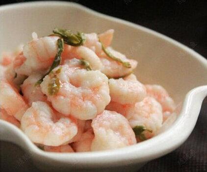 美食:土豆三杯鸡、龙井虾仁、韭黄银芽炒虾球的做法
