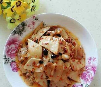 美食:豆豉杏鲍菇、墨鱼片小炒、韭黄炒猪腰、肥猪肉辣炒笋干