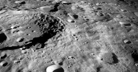 NASA宣布:人类将于2024年重返月球