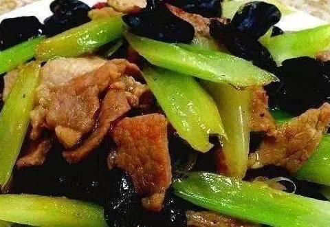 营养家常菜:烧白泼辣鱼,西芹炒肉片,开胃菌菇鸡汤