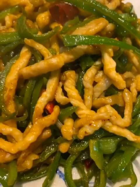 超级下饭菜:土味版尖椒肉丝的做法
