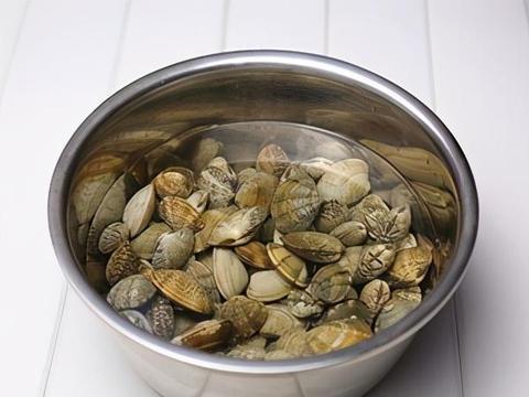 蛤蜊蒸蛋很多人第一步就错了,学会了这一步,鲜嫩爽滑超好吃
