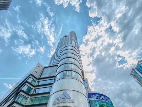 苏宁体育旗舰店国庆开业 携手安踏全国首发国旗限量产品