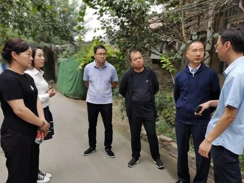 龙亭区政府党组成员刘伟督查旱厕改造