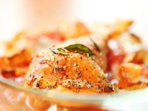 美食精选:豉椒鸡块、香蒜蕃茄烤鸡腿、羊杂锅仔