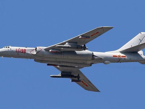 轰-6挂4枚鹰击-12向美航母示威?鹰击12为何对美航母有示威效果?