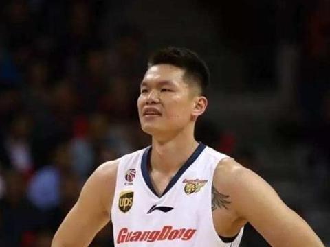 """中国篮坛的拉里伯德,号称""""全明星之王,""""退役后成就风生水起"""