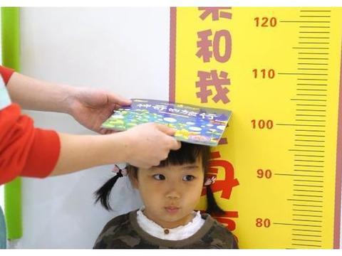 7岁女孩一年长高18cm?妈妈:做好这2件事,健脾养胃又增高