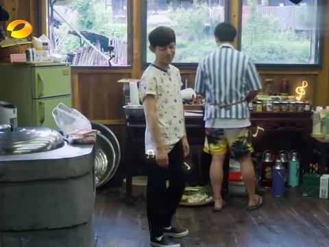 向往的生活:刘宪华回到蘑菇屋,秒变大型音乐会,还是熟悉的旋律