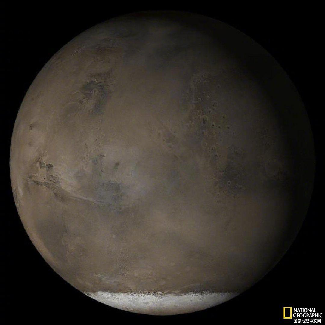 火星冰川下可能存在液态湖泊