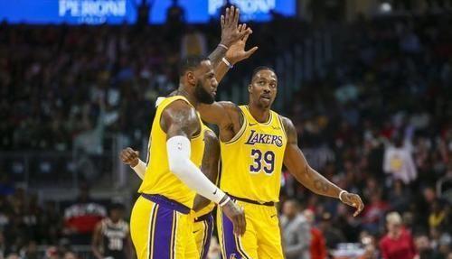 在最新的NBA总冠军赔率榜上,湖人的赔率为-320,而热火为+480
