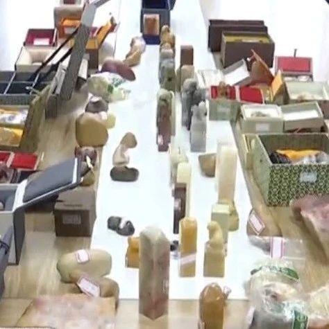 """爱""""石""""成狂!""""行家""""两年连偷上百件寿山石艺术品供自己观赏"""