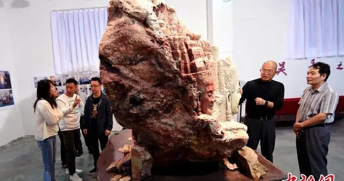巨型寿山石雕作品《吴哥之美》面世 异域风情引人入胜